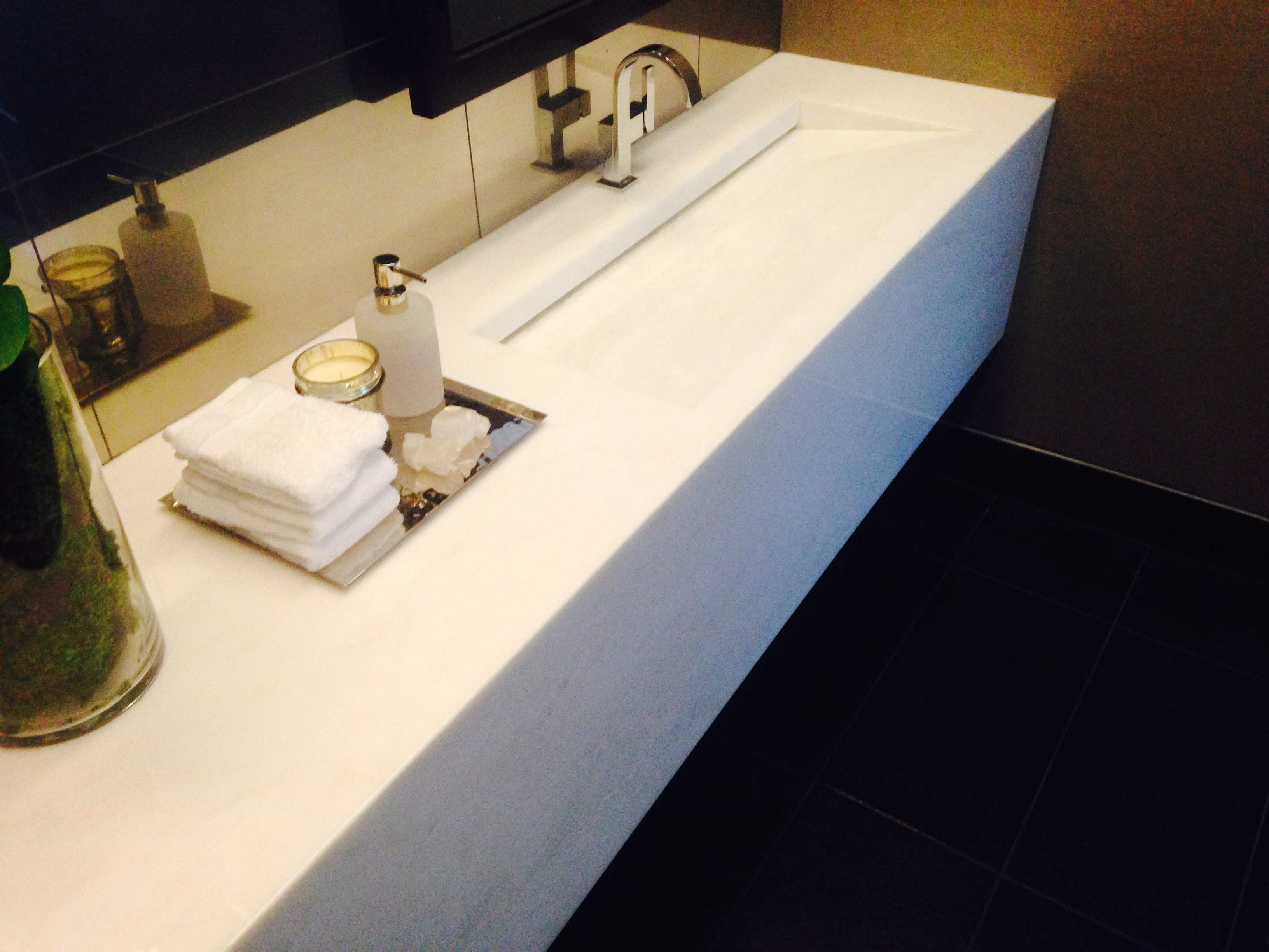 The Seamless Look Of Integrated Sinks Chisel Marble Granite